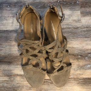 Report | Paula style | sandal | Size 9